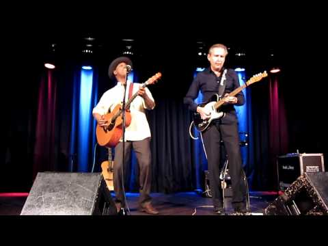 Eric Bibb & Staffan Astner - Tell Riley (live 2011)