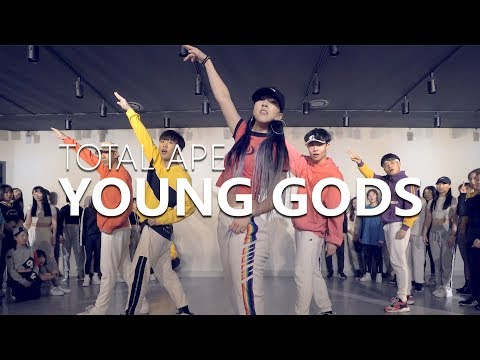 Total Ape - Young Gods / Jane Kim Choreography .