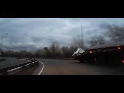 Новые аварии грузовиков 2020, фуры без тормозов на дороге.