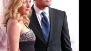 Kate Winslet and Leonardo DiCaprio - Umbrella