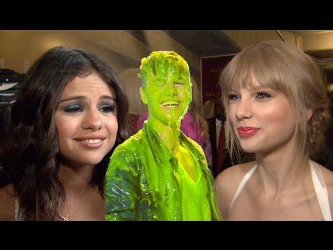 Download Taylor Swift & Selena Gomez Interviews Backstage - 2012 Kids' Choice Awards, Justin Bieber Slime