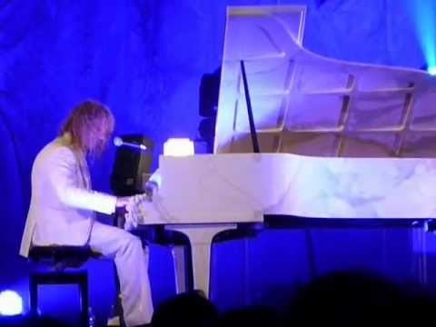 Wanted Dead or Alive & In these arms - David Bryan in the Marble Cave (Carrara Idol - 05-26-12)