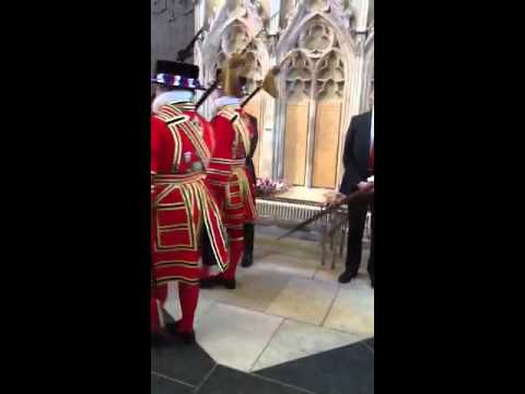 Yeoman of the Guard process through @York_Minster #Maundy