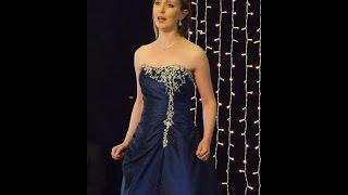 Sarah Richmond sings