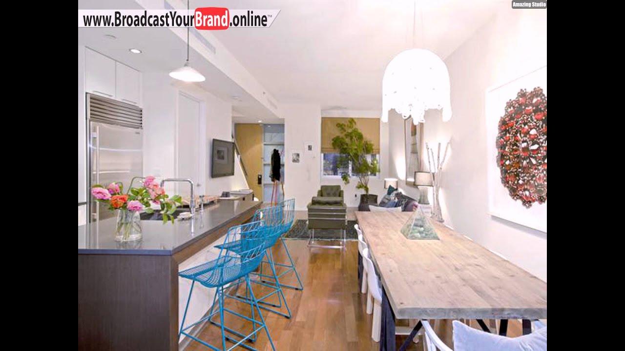 Wohnideen küche eklektisch holz esstisch blaue eisen barhocker ...