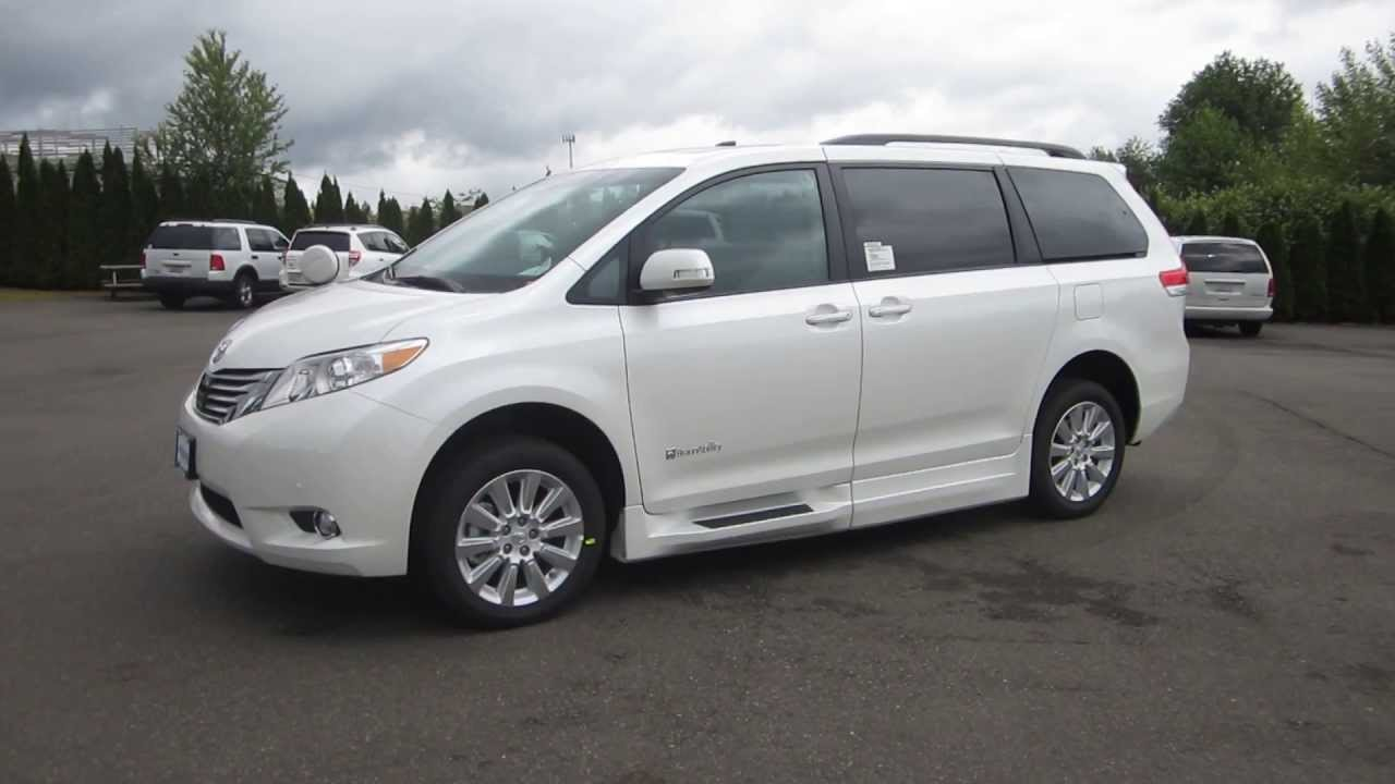 2013 Toyota Sienna Blizzard White Pearl Stock Ds364690