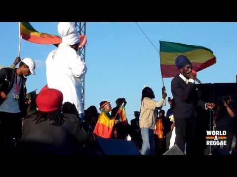 Sizzla Kalonji & Ras Shiloh Live at Rebel Salute 2013 - Jamaica (Pt.2)