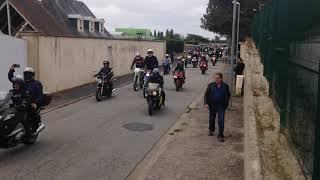 Le cortège de Mig se met en route vers Chambois