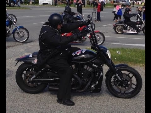 Rebels Motorcycle Club - National Run! 1000+ rock up into town