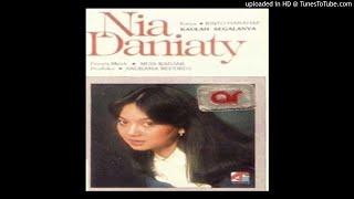 Nia Daniaty - Kaulah Segalanya - Composer : Rinto Harahap 1981 (CDQ)
