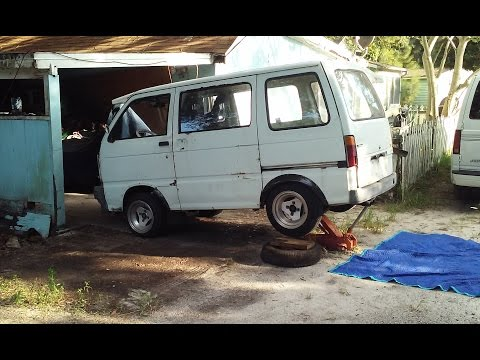 Changing Differential Oil In Daihatsu Hijet Micro Van
