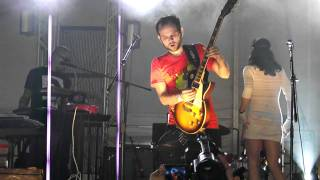 "CELESTINA ROBOT - ""Hanging Around"" (Live @ Coors Light Indie Fest 2011)"