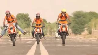 ktm duke 200 and rc 200 stunts