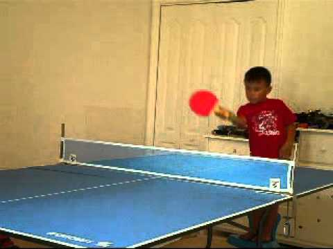 table tennis.kevin castellanos,4 years old playing