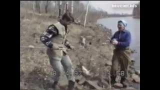 Лучегорск, апрель, 1997год (ловля огромных карасей)(Самое первое видео о ловле карповых в Лучегорске в апреле 1997 года. Архивные записи. О ловле сазана в марте..., 2013-10-26T01:14:33.000Z)