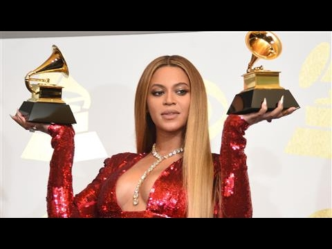 2017 Grammy Awards Fashion: The Best, the Bad and Beyoncé