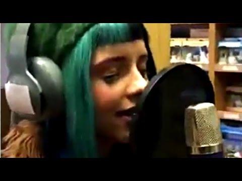 Melanie Martinez - Sippy Cup & Mrs. Potato Head (Live + Lyrics)