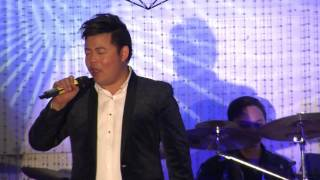 Tinh em bien rong song day-Quang Le