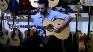 [Hieuorion shop Sài Gòn] Bài diễn guitar của một anh Tây bị cụt ngón tay