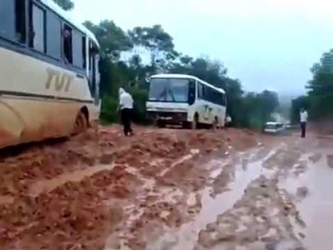 Ônibus da TUT passando sufoco no atoleiro #RONCA #ACELERA