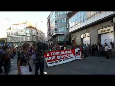Centos de persoas piden a abolición da tauromaquia en Pontevedra