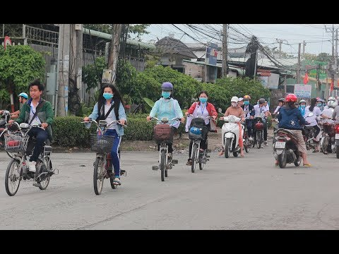 Xe đạp điện: Tiện nhưng không lợi