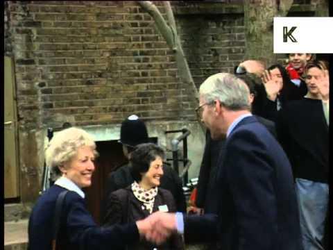 1995 John Major Meets Londoners