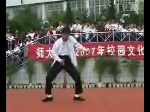 Học sinh TQ nhảy y như Michael Jackson