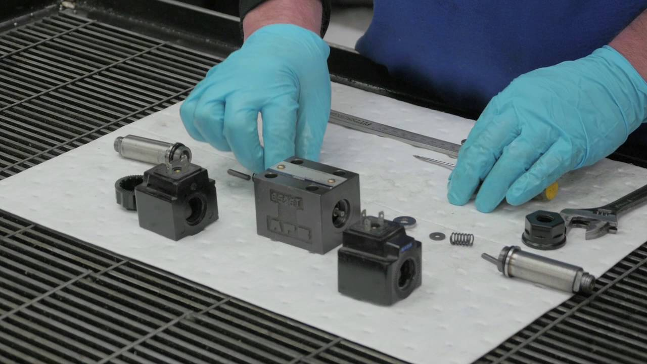 Explaining Directional Valve Repair - Full Dismantle and Reassembly
