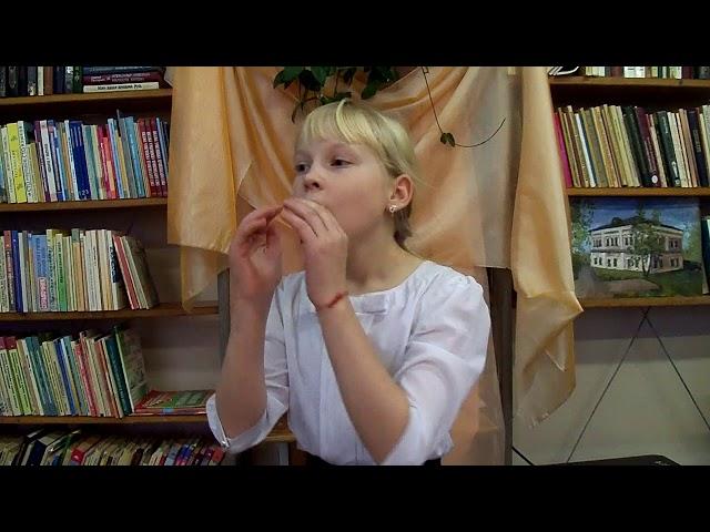 Изображение предпросмотра прочтения – ИннаКузницова читает произведение «Осень» А.С.Пушкина