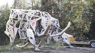 Giant mechanized exoskeleton (mech suit) tested in B.C. | CBC Kids News
