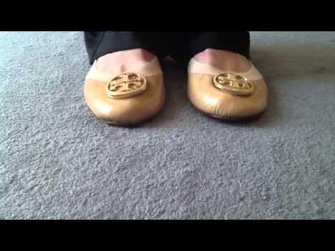 c15d2607e70c Tory Burch Caroline ballet flats - YouTube