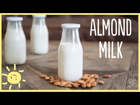 EAT| Homemade Almond Milk in 3 Easy Steps