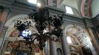 Novara, inizio della cerimonia del fiore