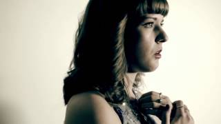 Gambar cover Victoria Bass - Q Live Entertainment