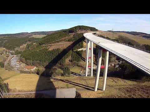 Talbrücke Nuttlar, Höchste Autobahnbrücke (A46) In Nordrhein-Westfalen. 115 Meter Hoch.