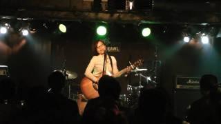 傘の下 作詞作曲:下問晶子 2010年12月13日 渋谷CRAWLライブにて 雨が止...