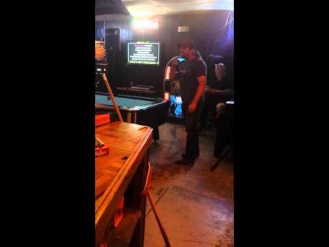 B&b karaoke the lazy song by Buddy