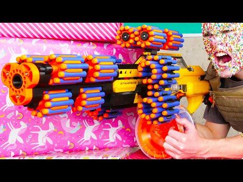 Nerf War: Birthday Battle - Видео онлайн