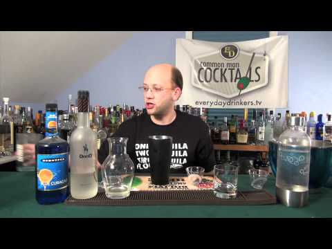 How To Make The Papa Smurf Cocktail