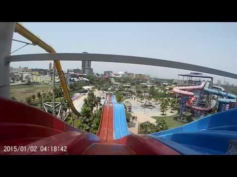 World of Wonders Noida Water Park... Awesome slide on mat... Selfie Video
