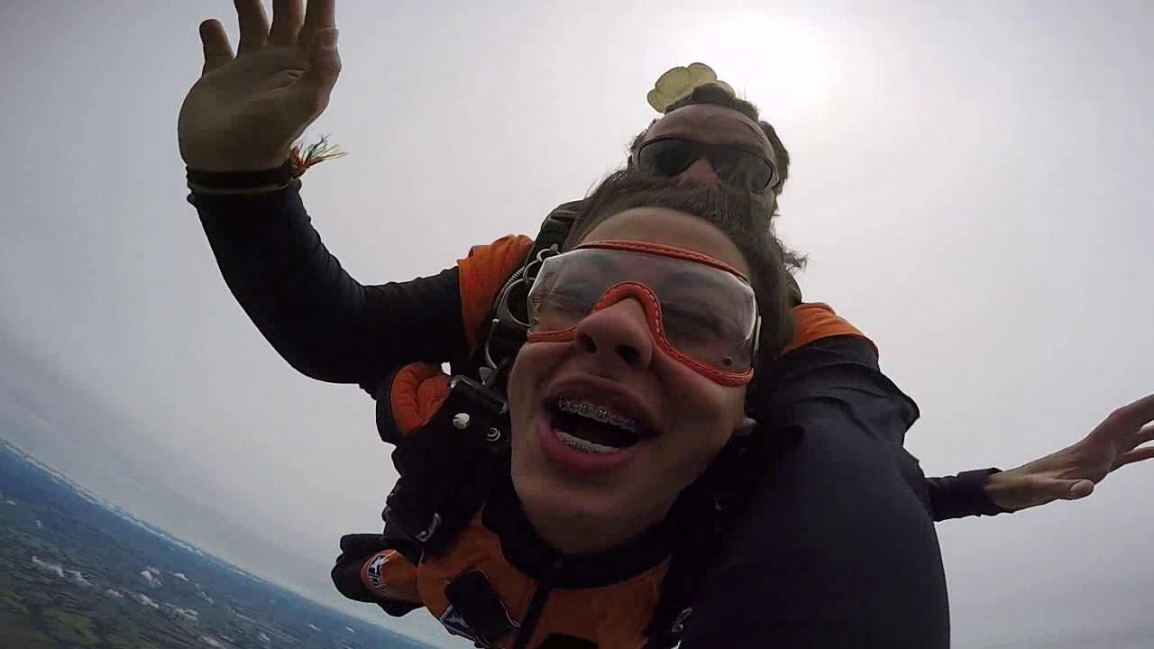 Salto de Paraquedas da Cladislayne na Queda Livre Paraquedismo 25 01 2017