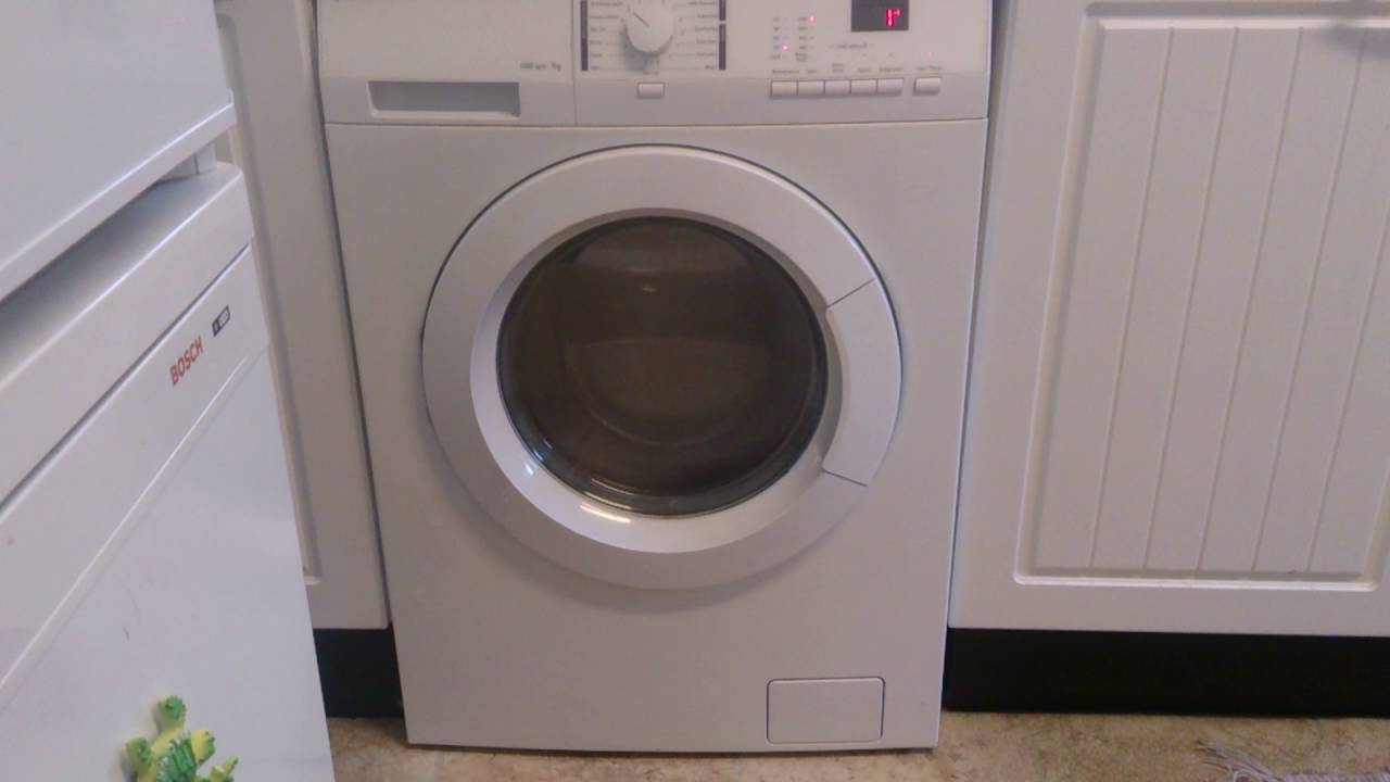 30b0e42104f John Lewis washing machine on spin 1200 7kg - YouTube