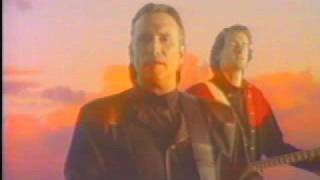 Watch Colin Hay Help Me video