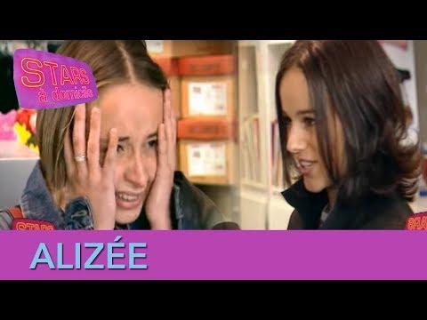 Alizée s'incruste à une après-midi shopping ! - Stars à domicile