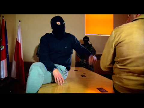 MILICE RUSSE TABASSE UN PEDOPHILE!!CENSURE!!de YouTube · Durée:  3 minutes 44 secondes