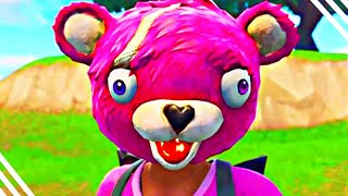Qui est UNDER The CUDDLE TEAM LEADER? Secret Identity of Cuddle Team Leader (Fortnite)