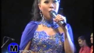 Kanggo Riko Niken Aprilia New Gita Bayu Live Padangan Menganti November 2015
