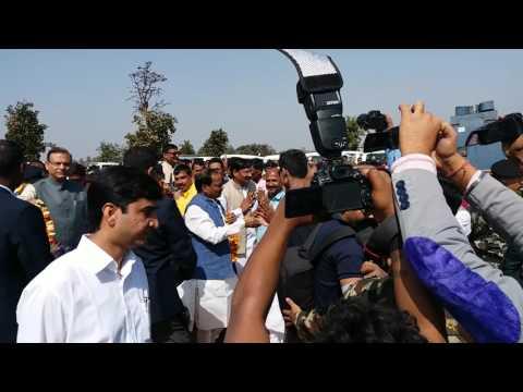 Bjp supporter welcoming cm jharkhand raghubar das palamu medical college foundation program