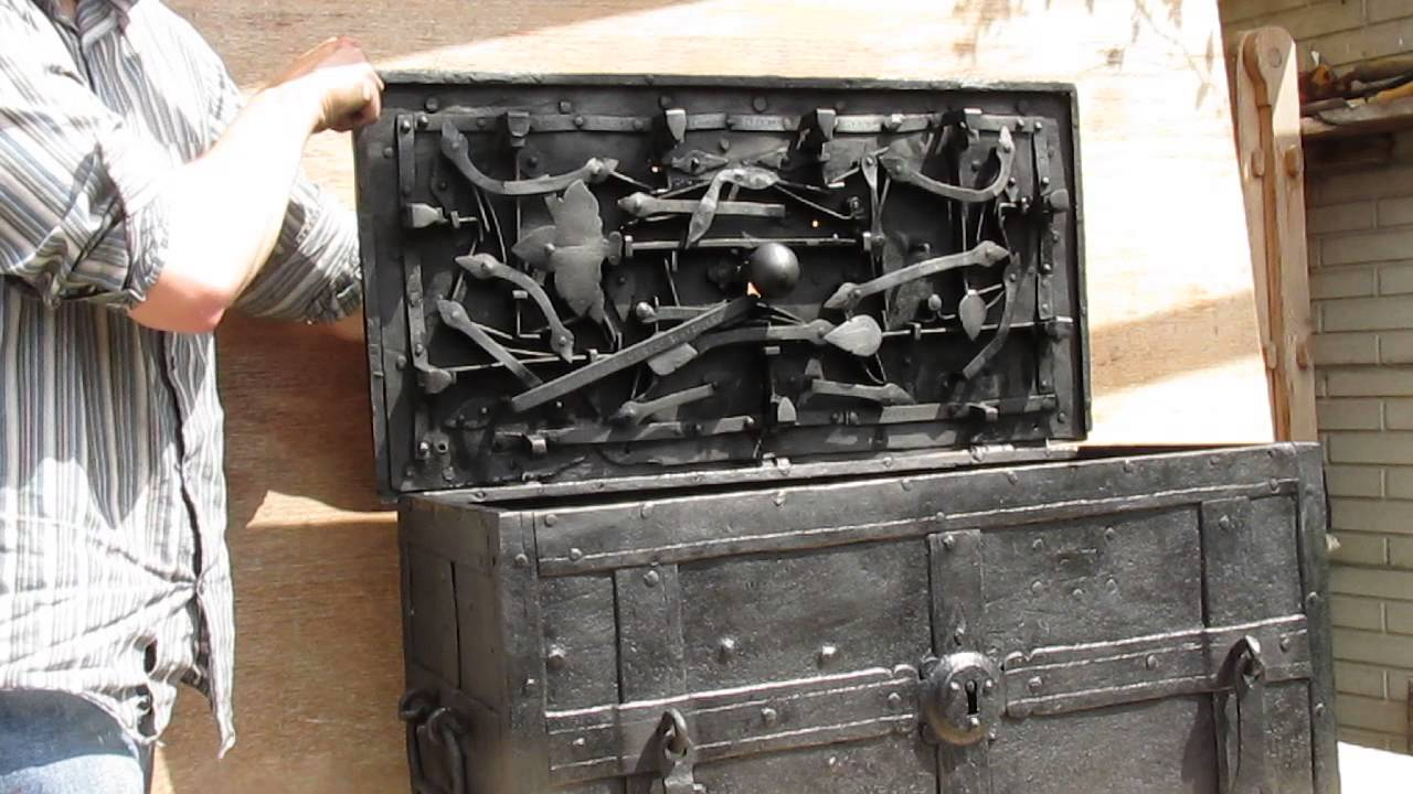 17th century armda chest strong box treasure chest - YouTube